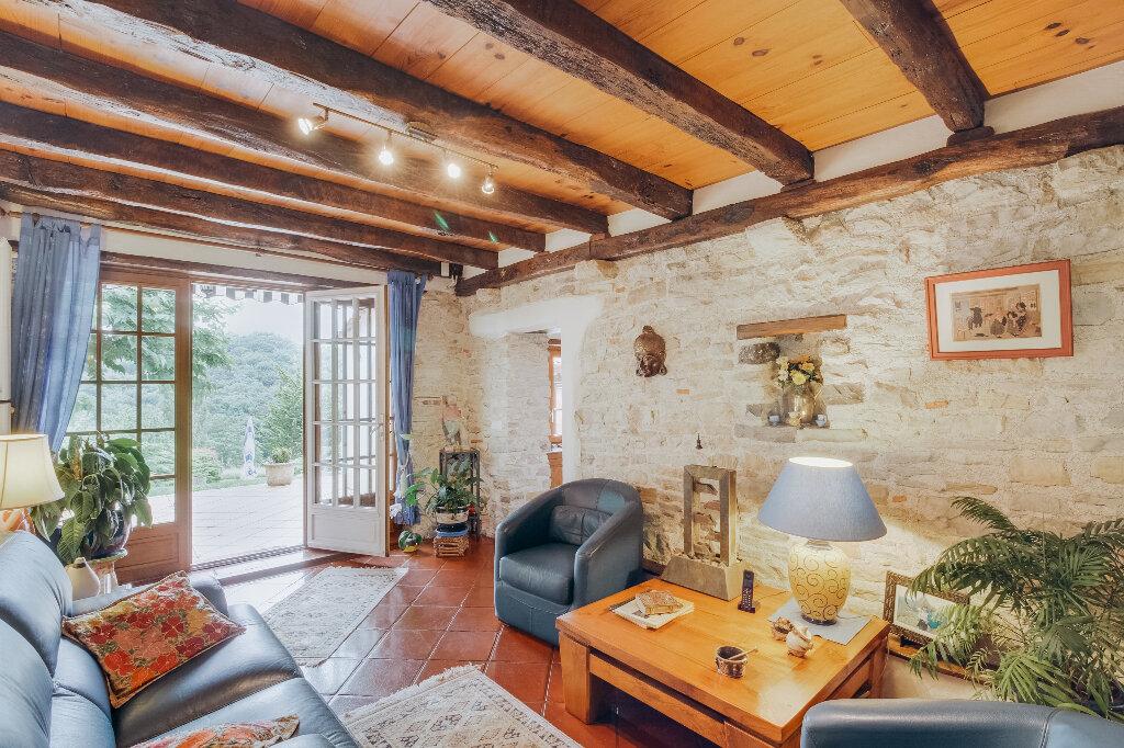 Maison à vendre 7 180m2 à Mouguerre vignette-2