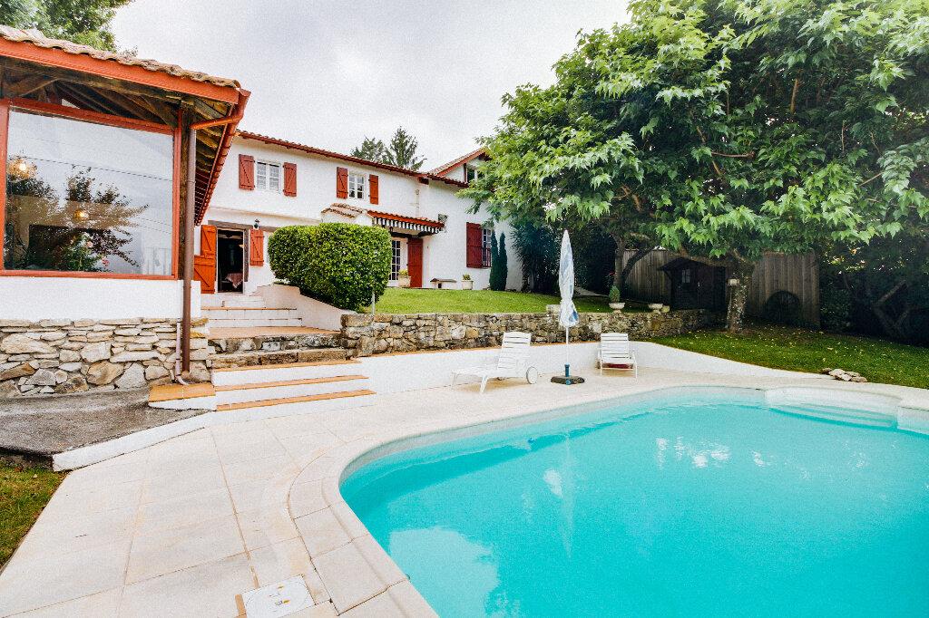 Maison à vendre 7 180m2 à Mouguerre vignette-9