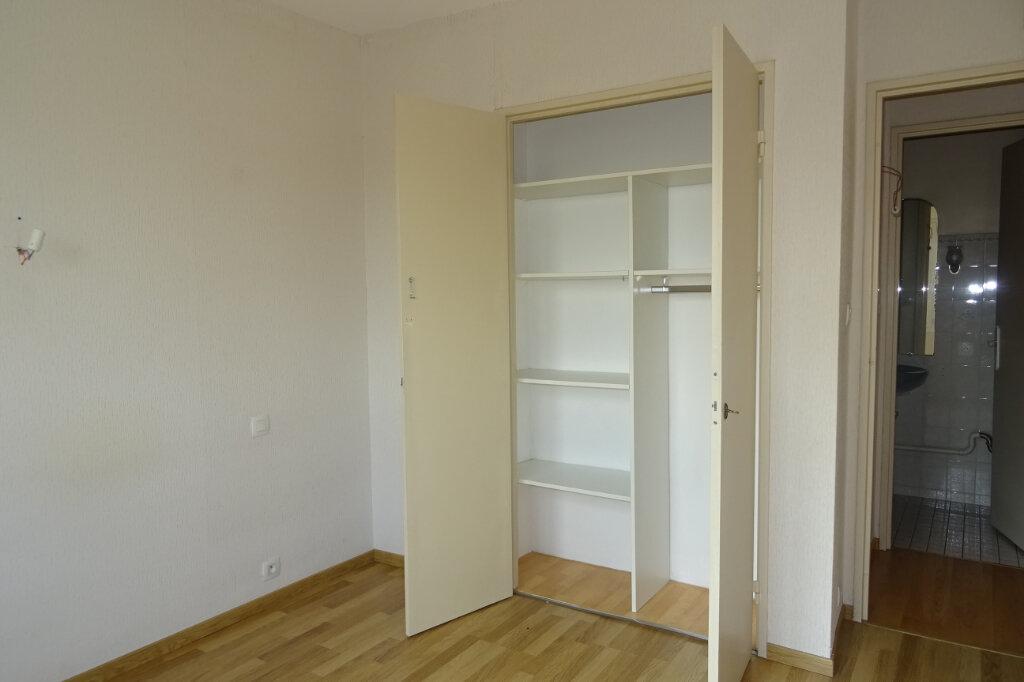 Appartement à louer 3 81.2m2 à Bayonne vignette-6