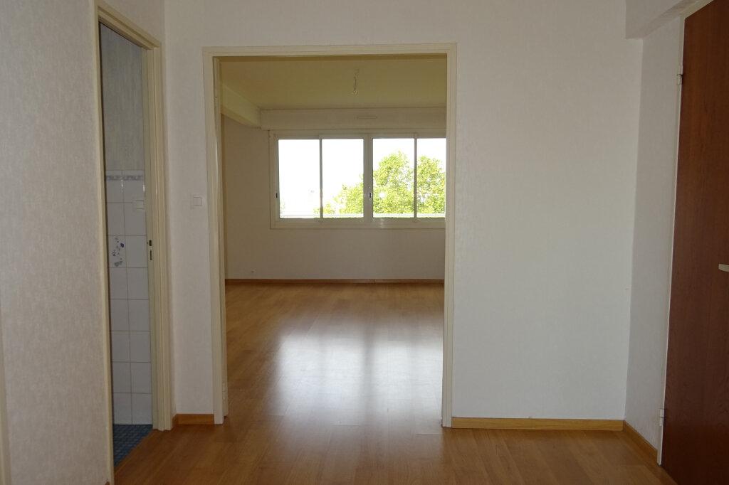 Appartement à louer 3 81.2m2 à Bayonne vignette-8