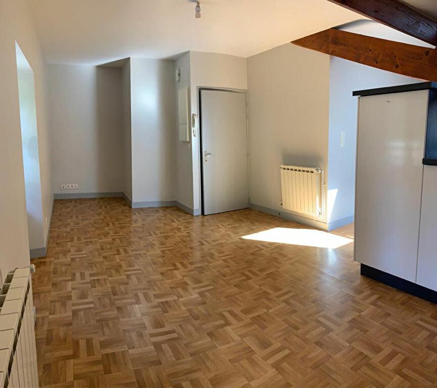 Appartement à louer 3 60.3m2 à Ustaritz vignette-2