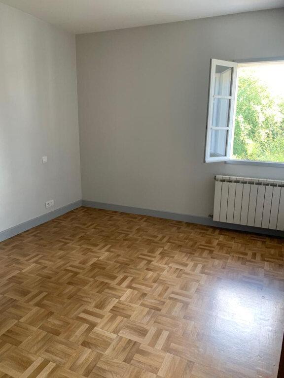 Appartement à louer 3 60.3m2 à Ustaritz vignette-5