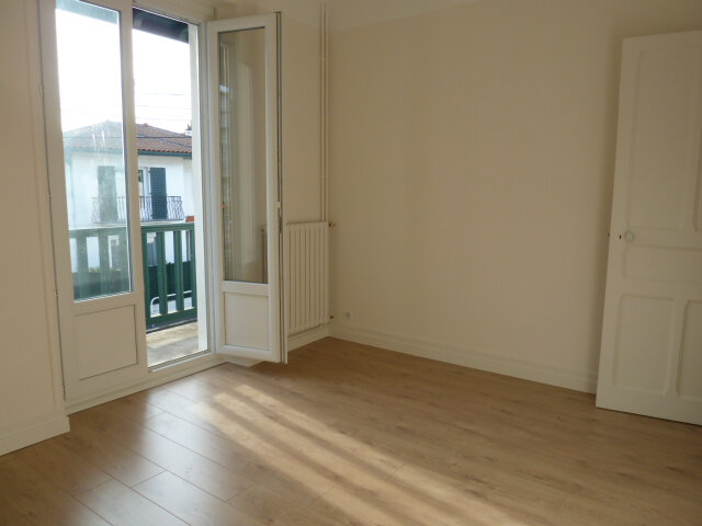 Appartement à louer 3 69.1m2 à Bayonne vignette-6