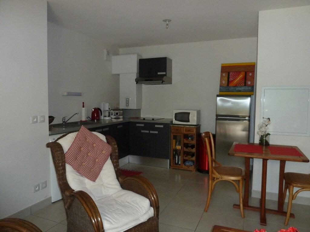 Appartement à louer 2 42.79m2 à Bayonne vignette-3