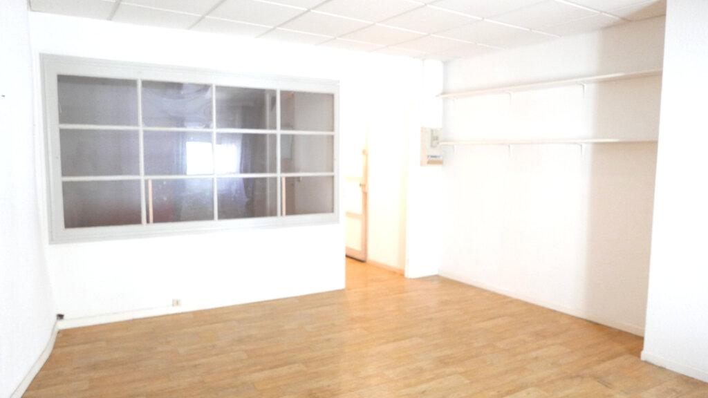 Appartement à louer 1 42m2 à La Voulte-sur-Rhône vignette-3
