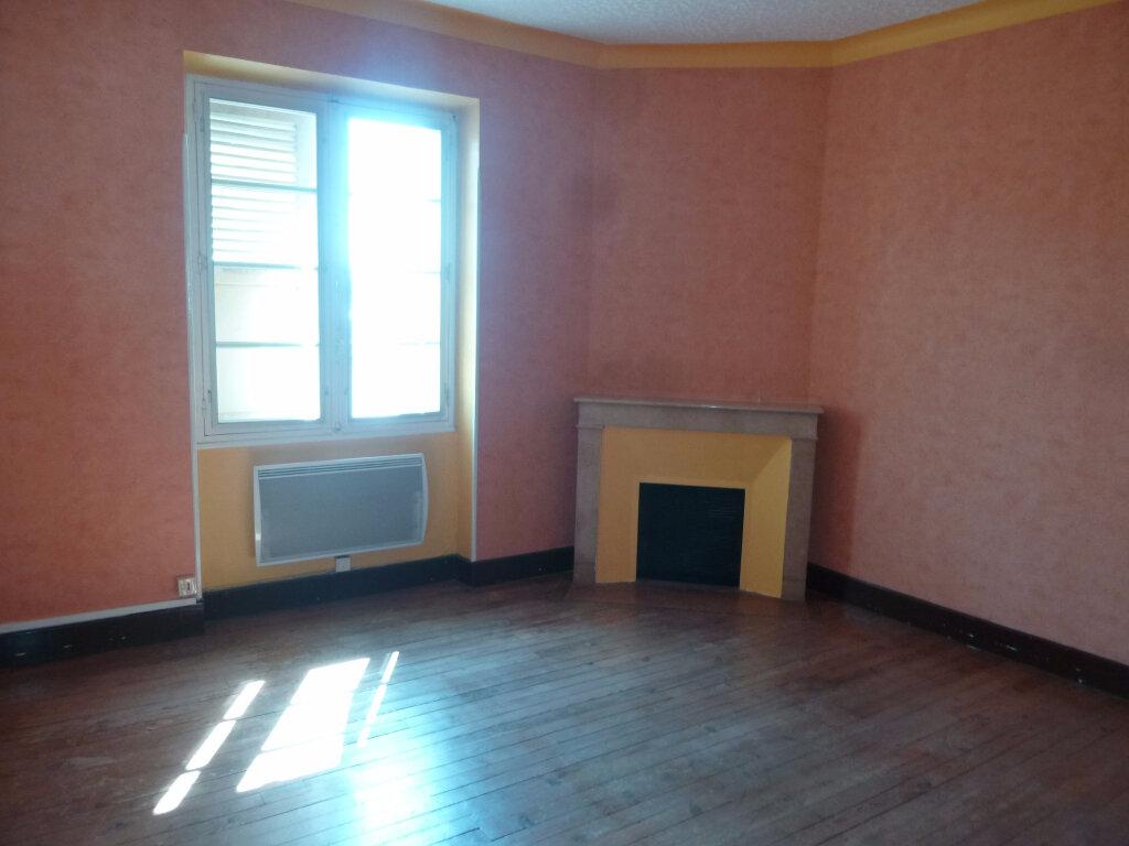Appartement à louer 3 70m2 à Crest vignette-3