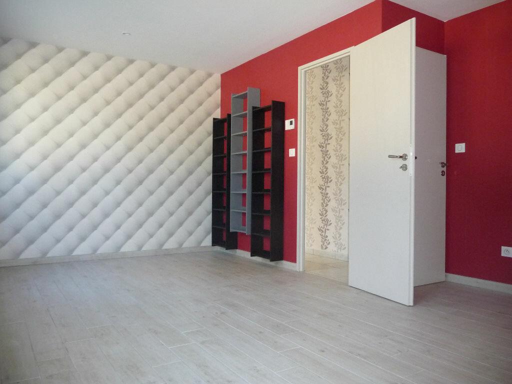 Maison à louer 3 86m2 à Loriol-sur-Drôme vignette-3