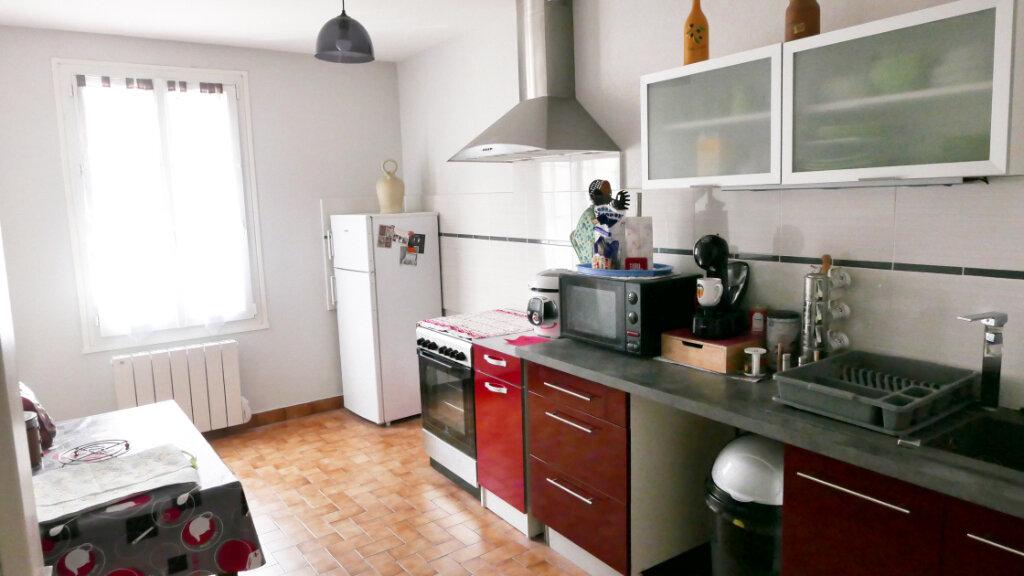 Appartement à louer 3 75m2 à Livron-sur-Drôme vignette-2