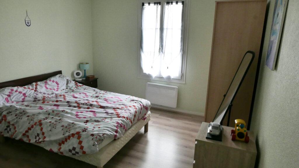 Appartement à louer 3 75m2 à Livron-sur-Drôme vignette-4