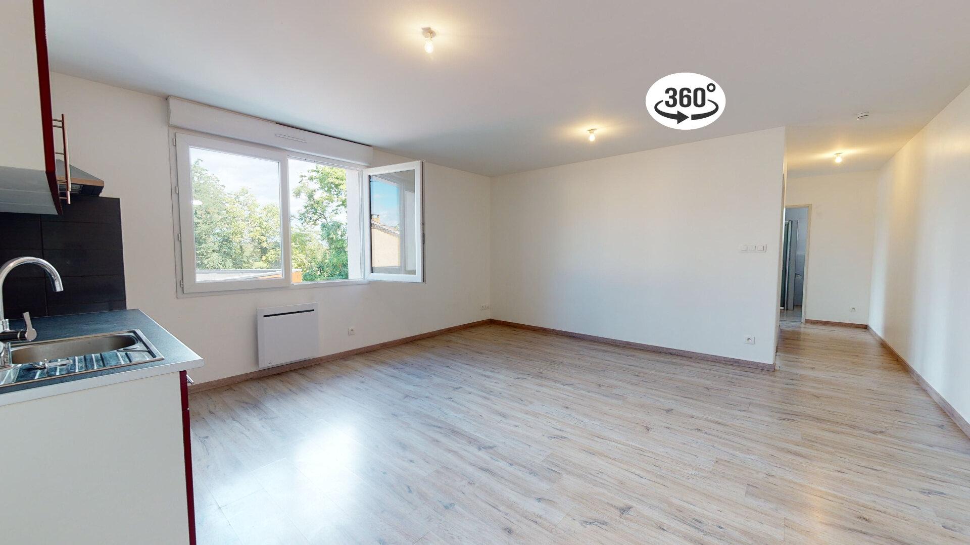 Appartement à louer 3 60m2 à Loriol-sur-Drôme vignette-1