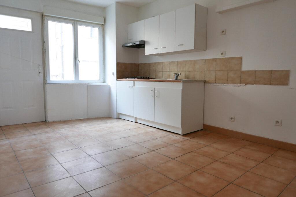 Appartement à louer 1 22m2 à Le Pouzin vignette-1