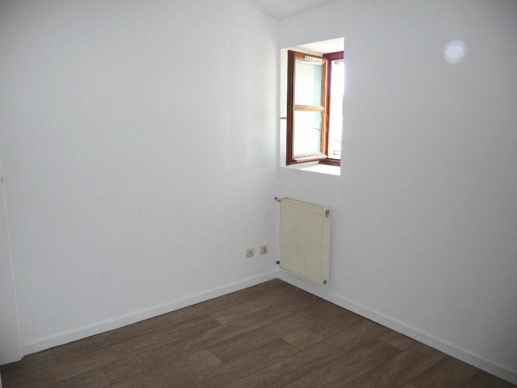 Appartement à louer 2 40m2 à Loriol-sur-Drôme vignette-3