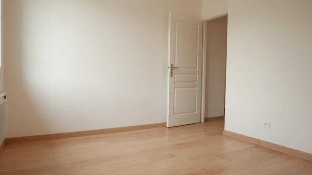 Appartement à louer 3 55m2 à Loriol-sur-Drôme vignette-4