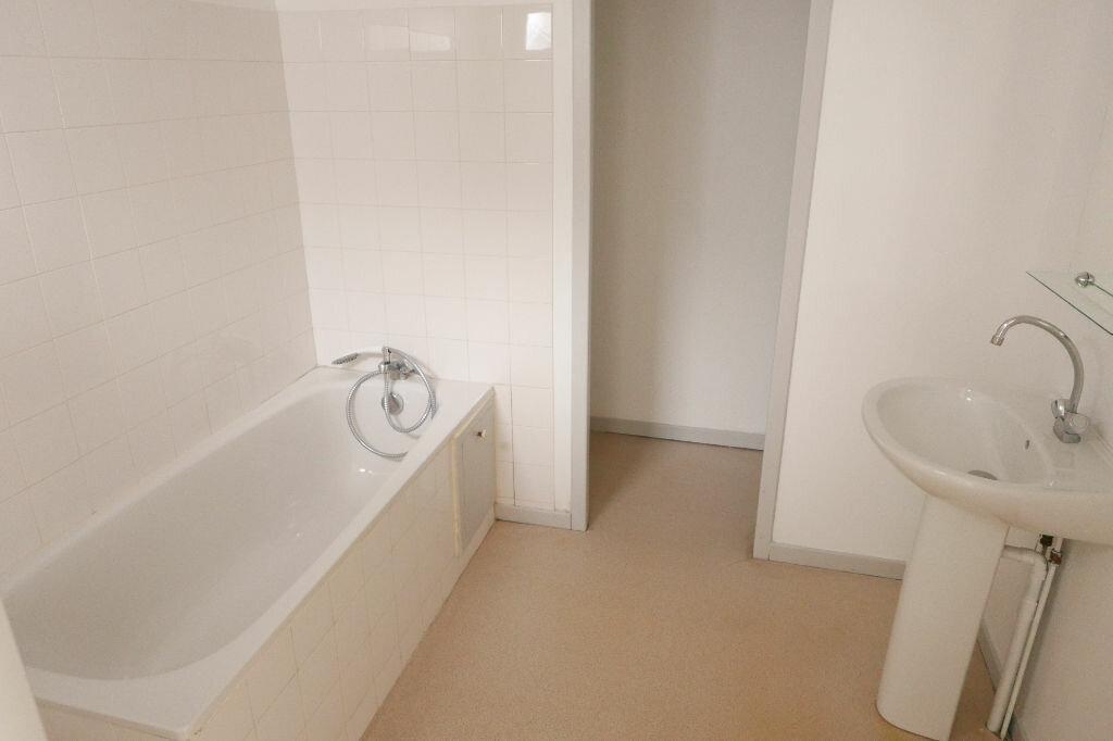 Appartement à louer 2 56m2 à Le Pouzin vignette-4