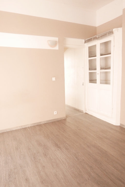 Appartement à louer 2 45m2 à La Voulte-sur-Rhône vignette-5