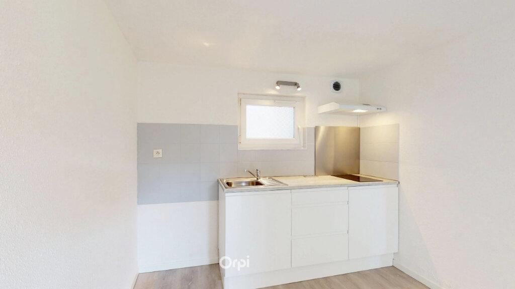Appartement à louer 1 21.5m2 à Tournon-sur-Rhône vignette-3