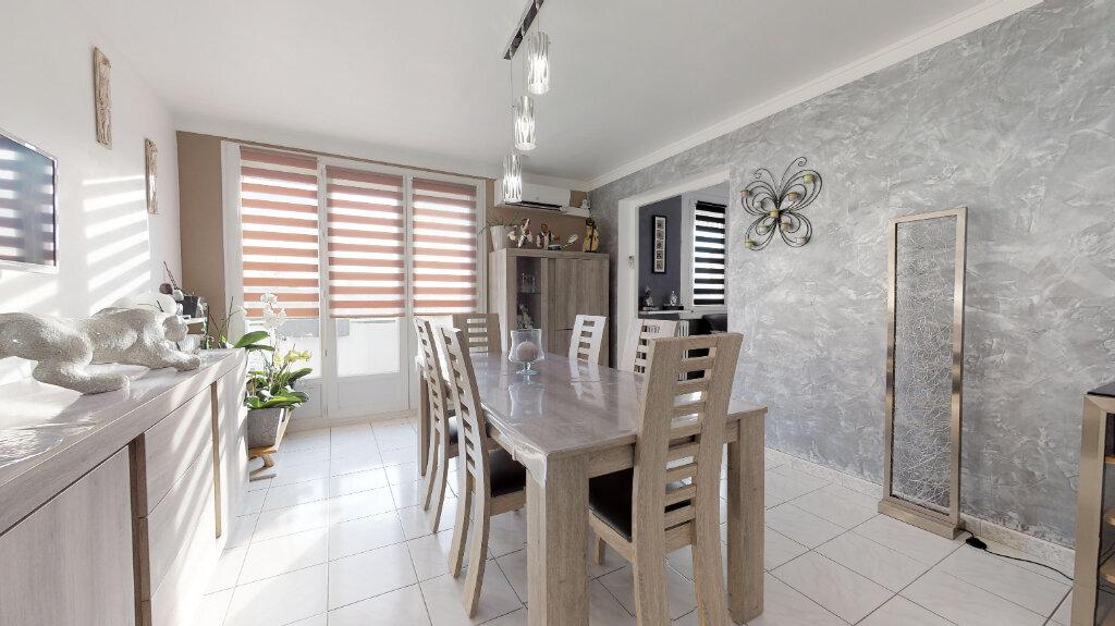 Appartement à vendre 4 70m2 à Livron-sur-Drôme vignette-1
