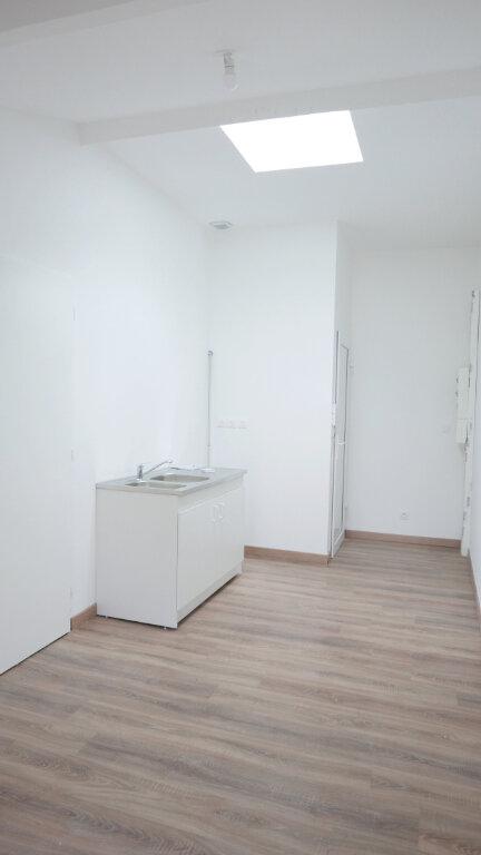 Appartement à louer 1 18m2 à Livron-sur-Drôme vignette-2