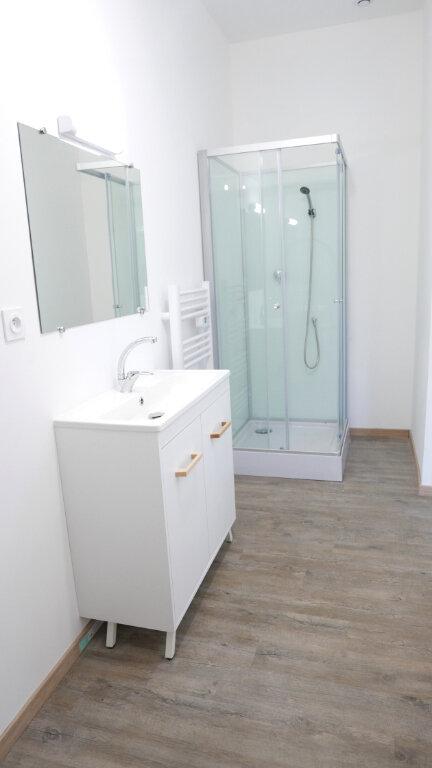 Appartement à louer 1 18m2 à Livron-sur-Drôme vignette-3