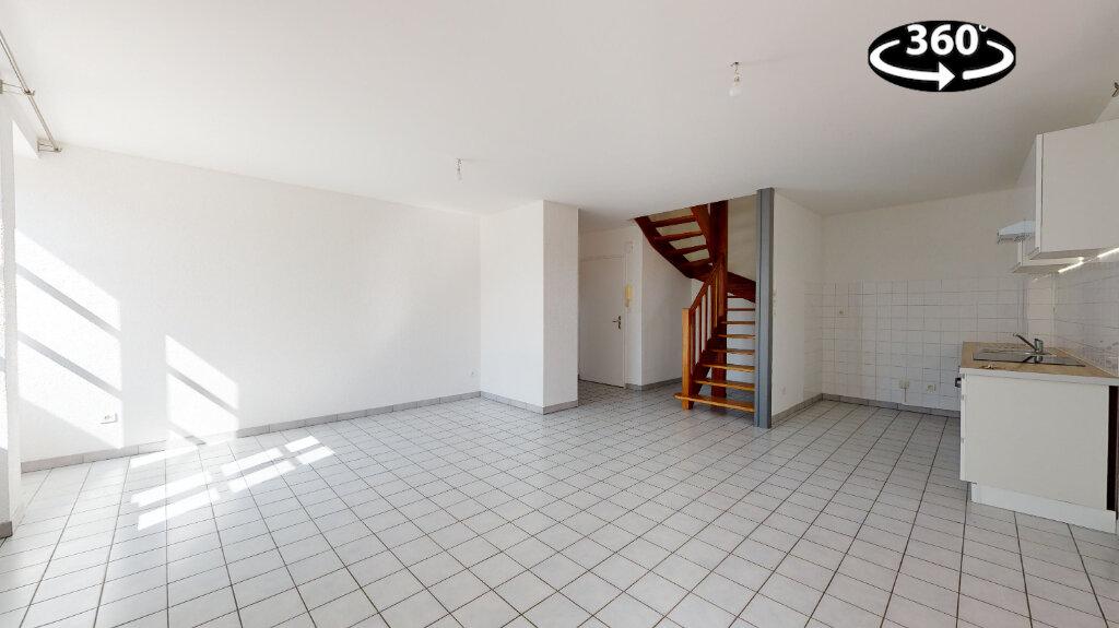 Appartement à louer 3 70m2 à Livron-sur-Drôme vignette-1