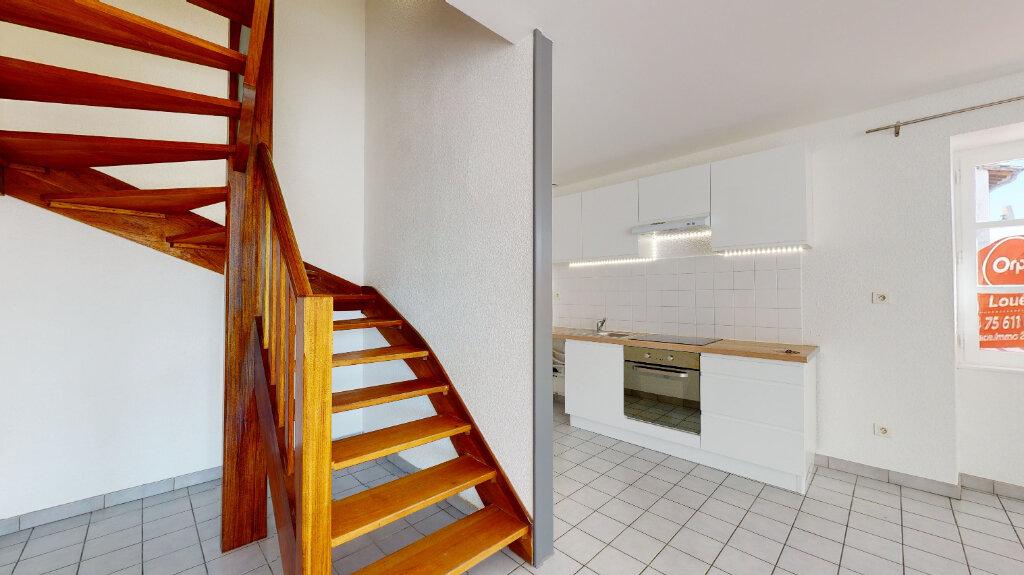 Appartement à louer 3 70m2 à Livron-sur-Drôme vignette-2