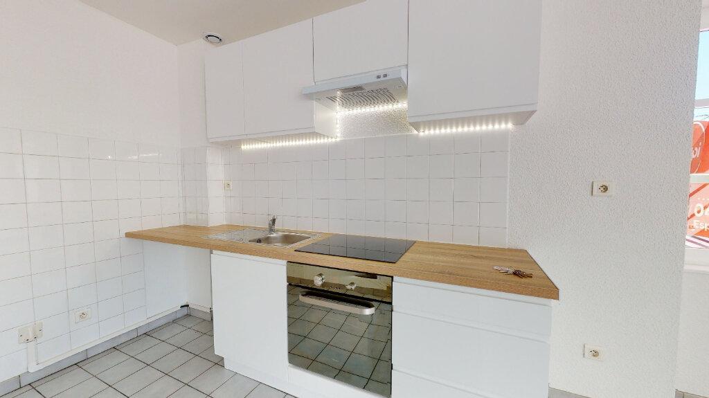 Appartement à louer 3 70m2 à Livron-sur-Drôme vignette-3