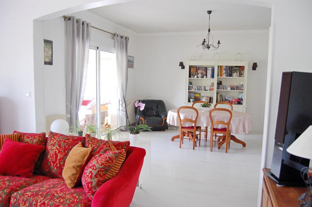 Maison à vendre 8 190m2 à Saint-Yrieix-sur-Charente vignette-2