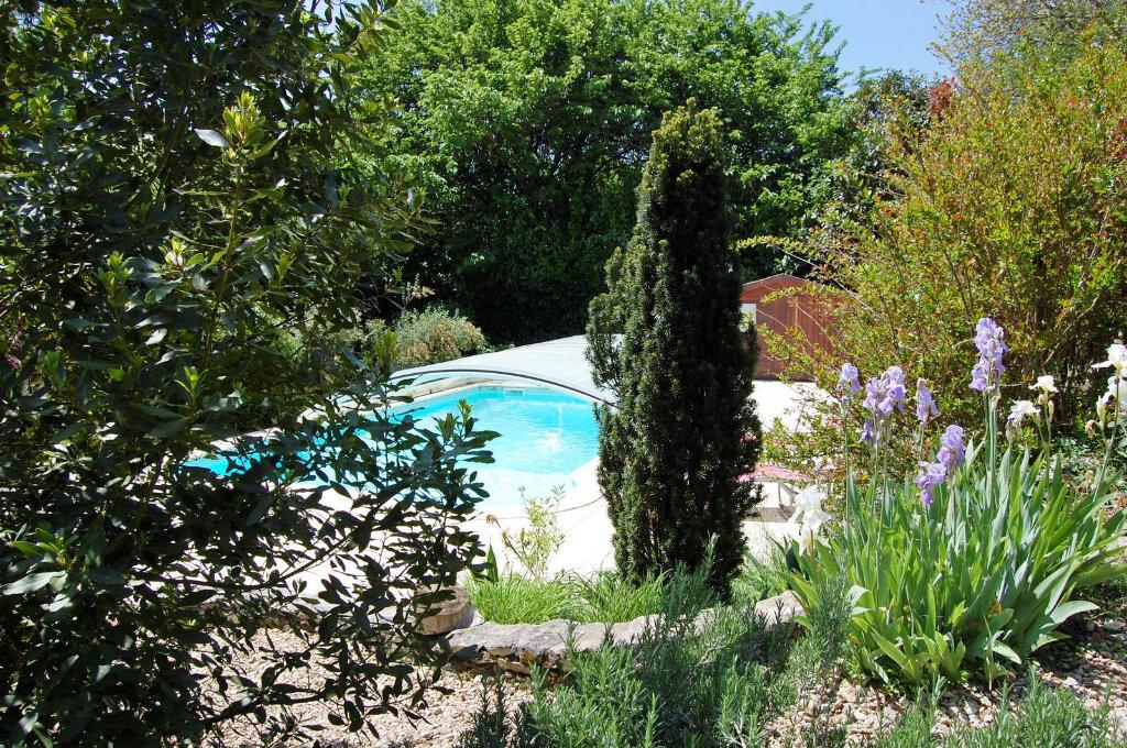 Maison à vendre 8 190m2 à Saint-Yrieix-sur-Charente vignette-4