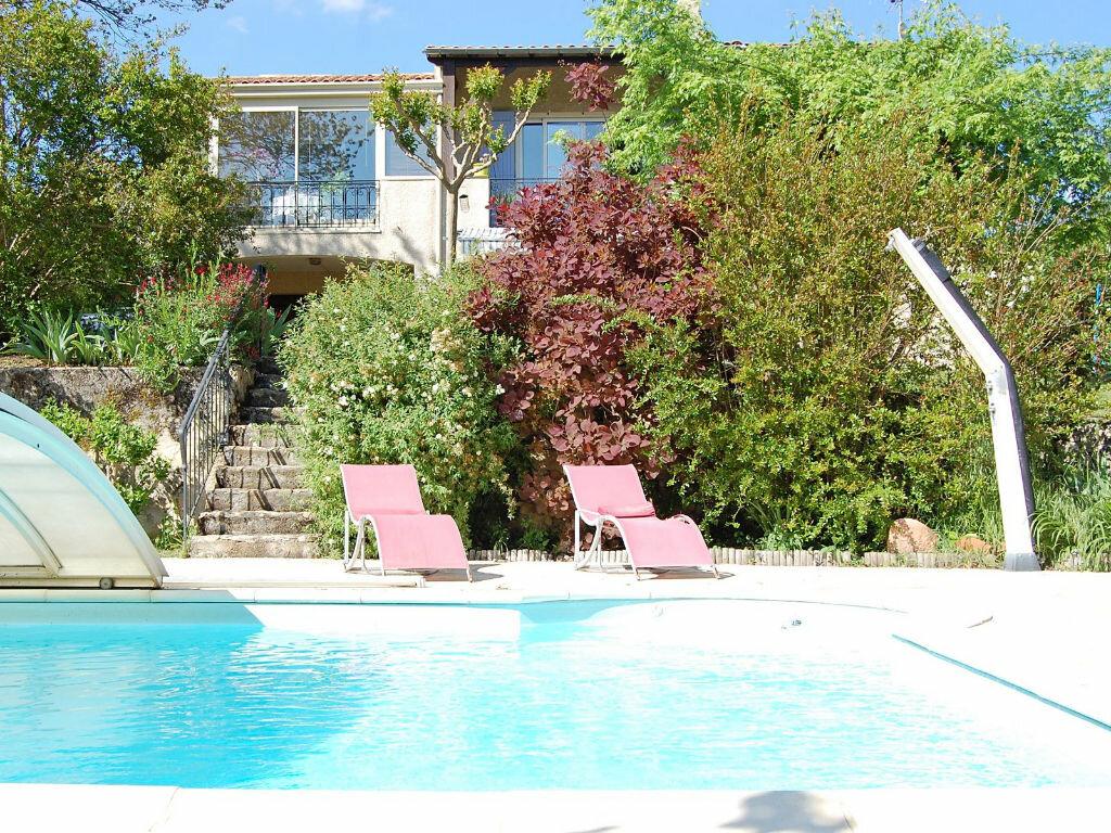 Maison à vendre 8 190m2 à Saint-Yrieix-sur-Charente vignette-5