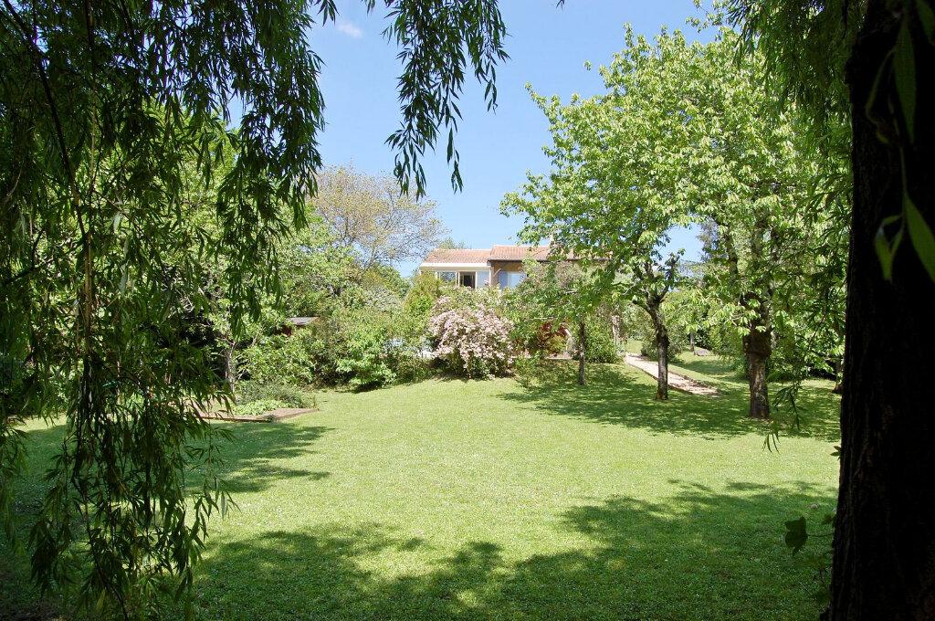 Maison à vendre 8 190m2 à Saint-Yrieix-sur-Charente vignette-6