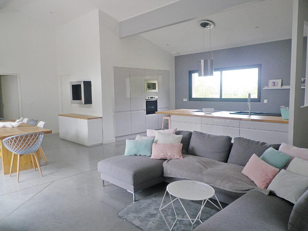 Maison à vendre 5 147m2 à Ruelle-sur-Touvre vignette-2