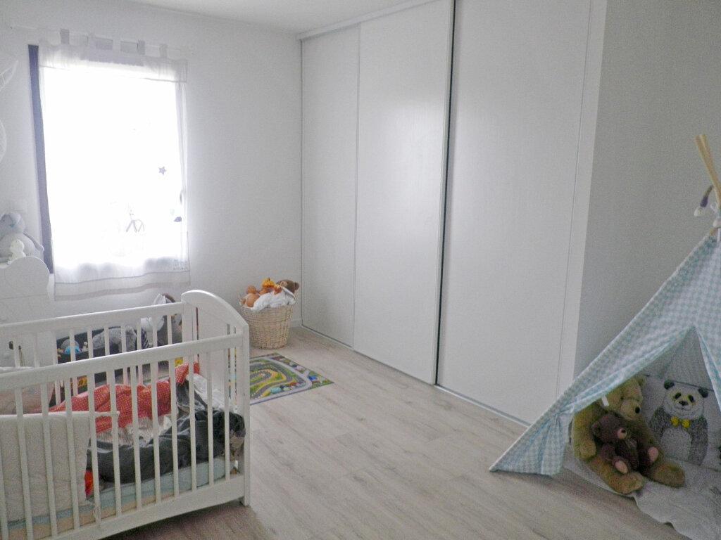 Maison à vendre 5 147m2 à Ruelle-sur-Touvre vignette-8