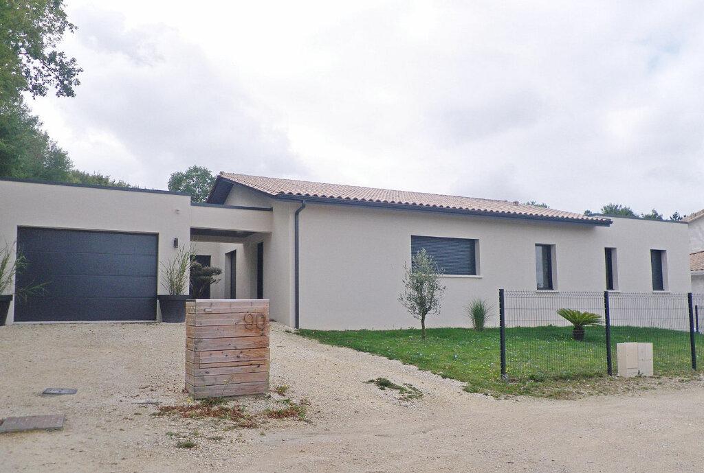 Maison à vendre 5 147m2 à Ruelle-sur-Touvre vignette-10