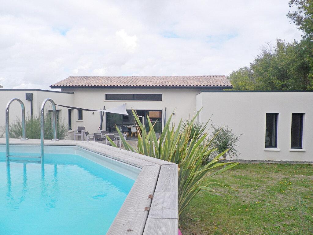 Maison à vendre 5 147m2 à Ruelle-sur-Touvre vignette-11