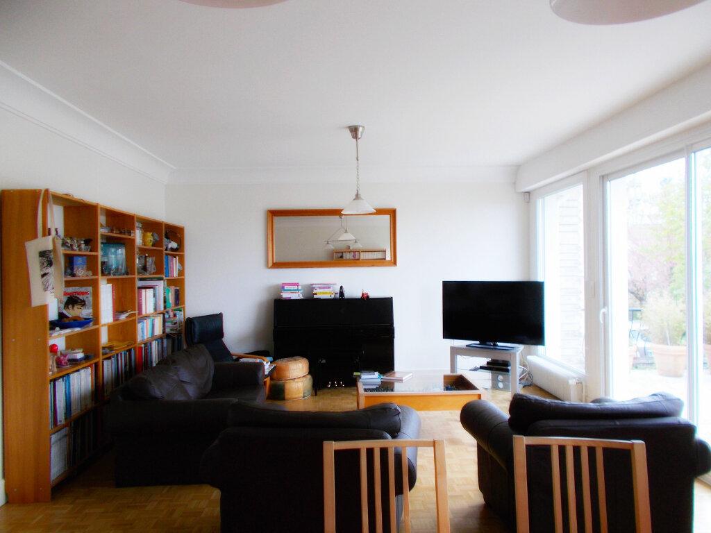 Maison à vendre 6 140m2 à Soyaux vignette-3