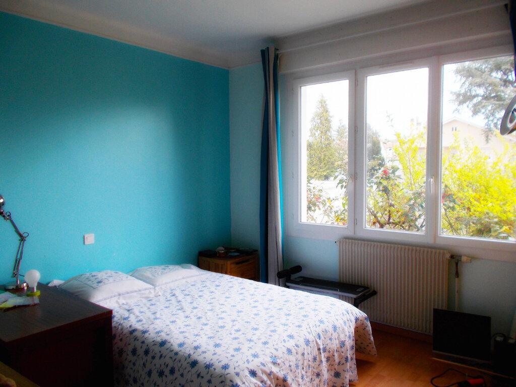 Maison à vendre 6 140m2 à Soyaux vignette-4