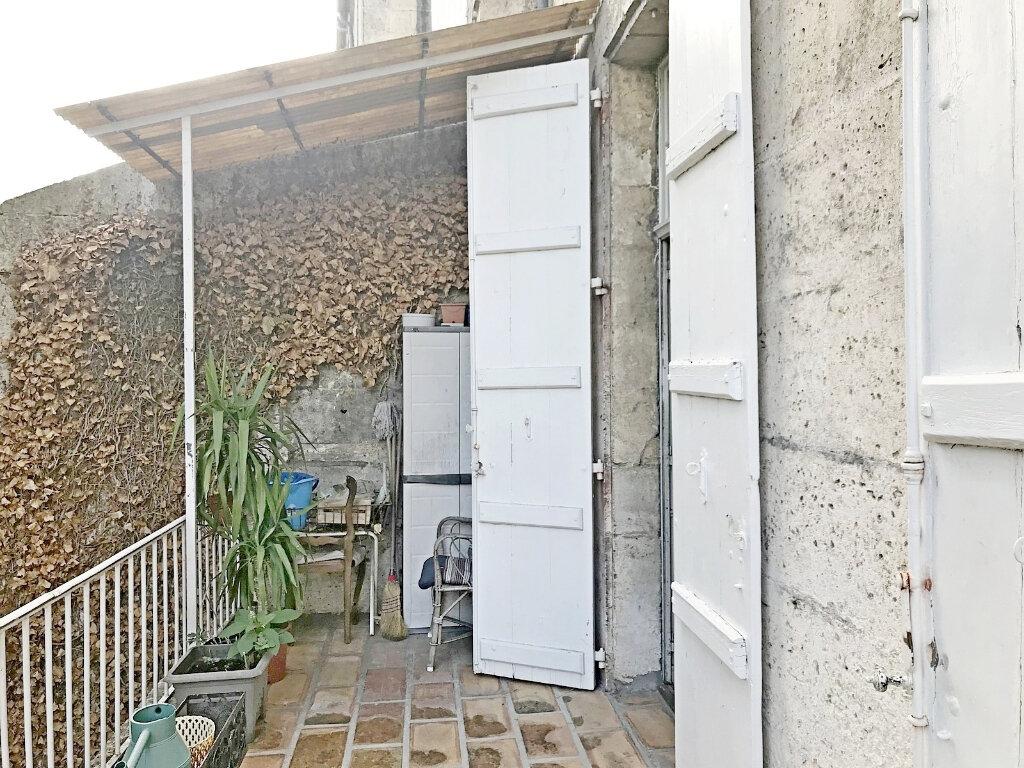 Maison à vendre 7 185m2 à Angoulême vignette-5