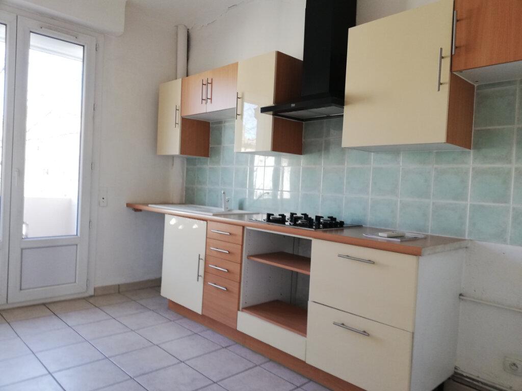 Appartement à louer 2 47m2 à Toulon vignette-1