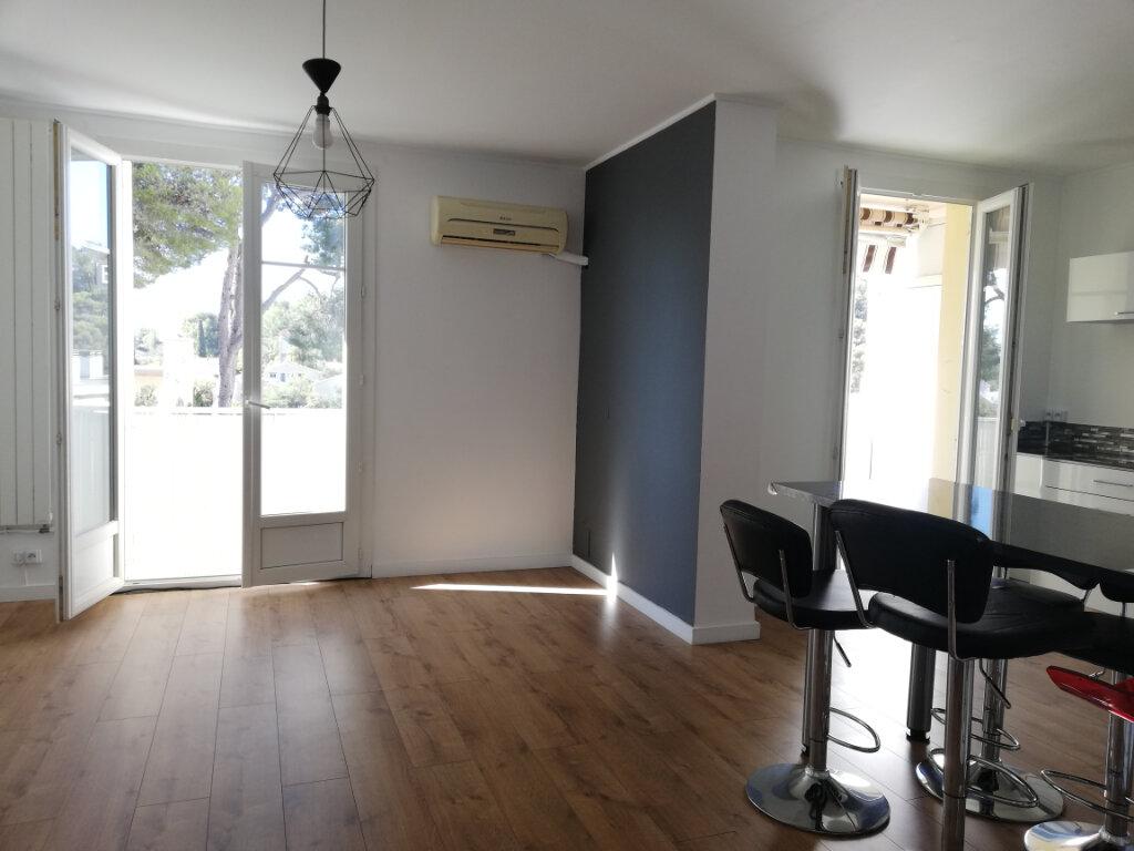 Appartement à louer 3 66.47m2 à Toulon vignette-1