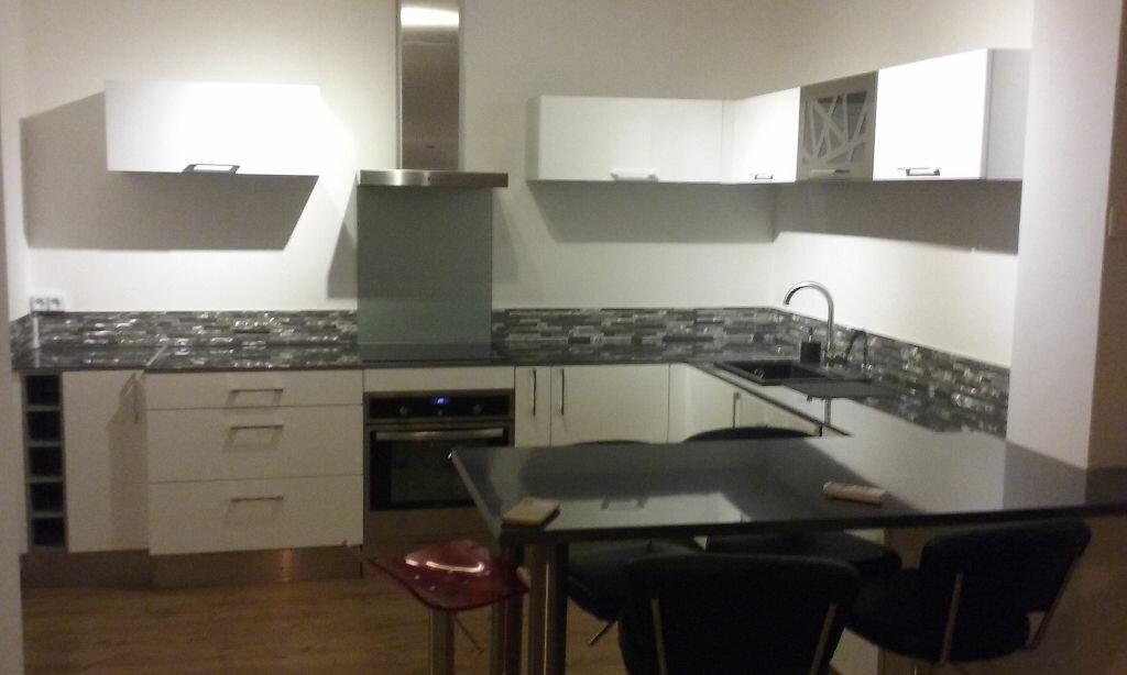 Appartement à louer 3 66.47m2 à Toulon vignette-2