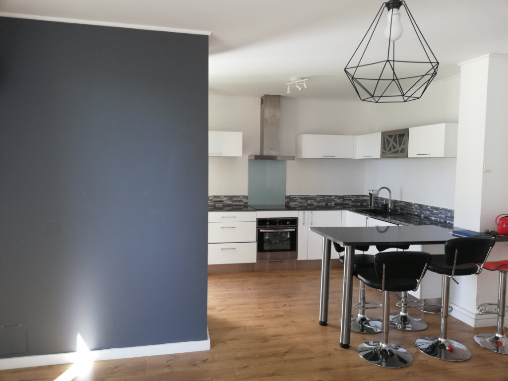 Appartement à louer 3 66.47m2 à Toulon vignette-3