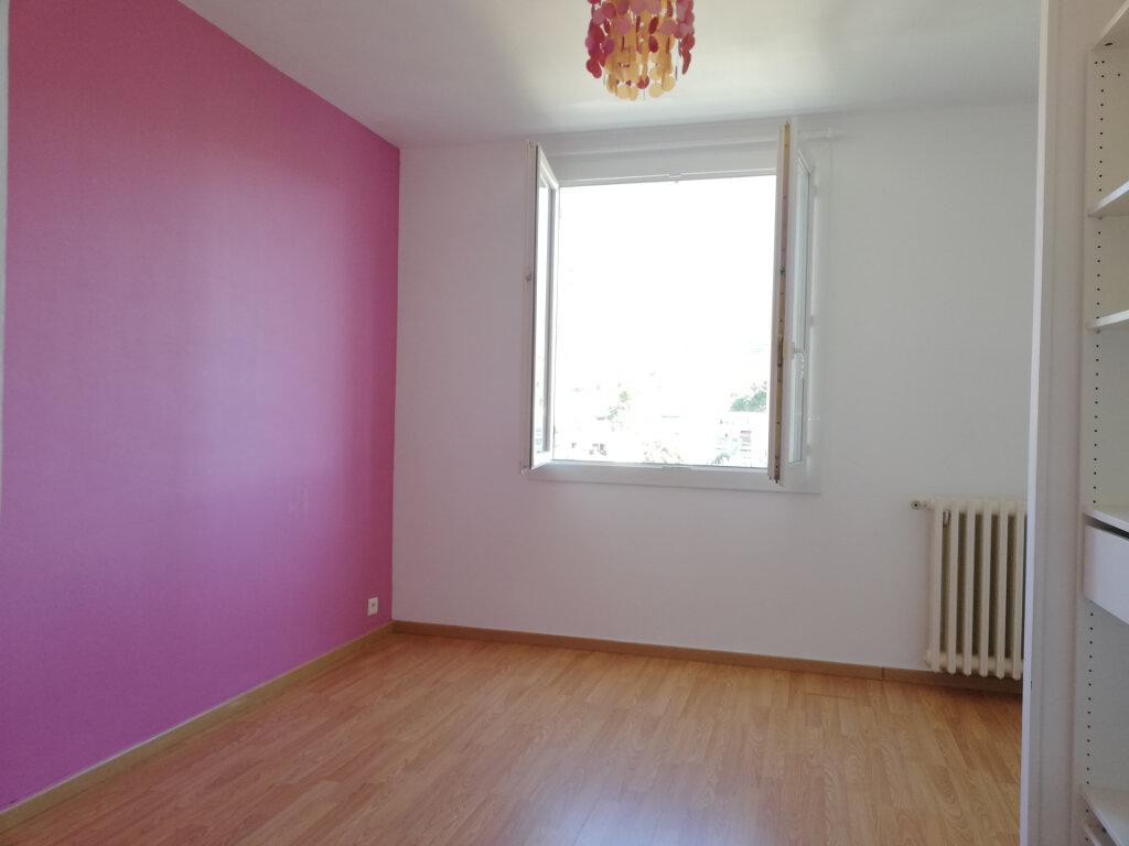 Appartement à louer 3 66.47m2 à Toulon vignette-7