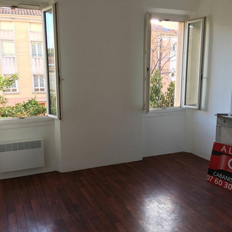 Appartement à louer 2 33.8m2 à Toulon vignette-2