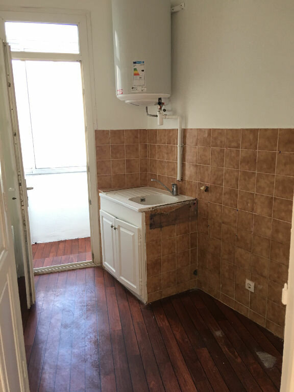 Appartement à louer 2 33.8m2 à Toulon vignette-7