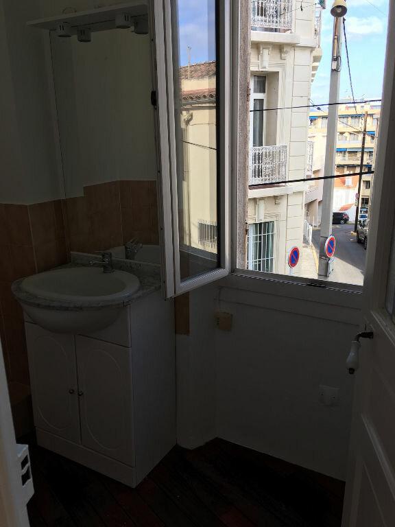 Appartement à louer 2 33.8m2 à Toulon vignette-8