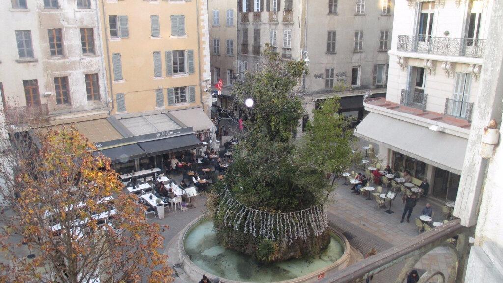 Appartement à vendre 5 139m2 à Toulon vignette-1