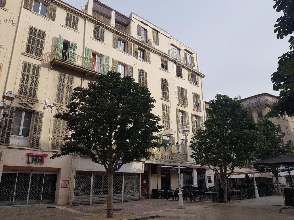 Appartement à vendre 5 139m2 à Toulon vignette-2