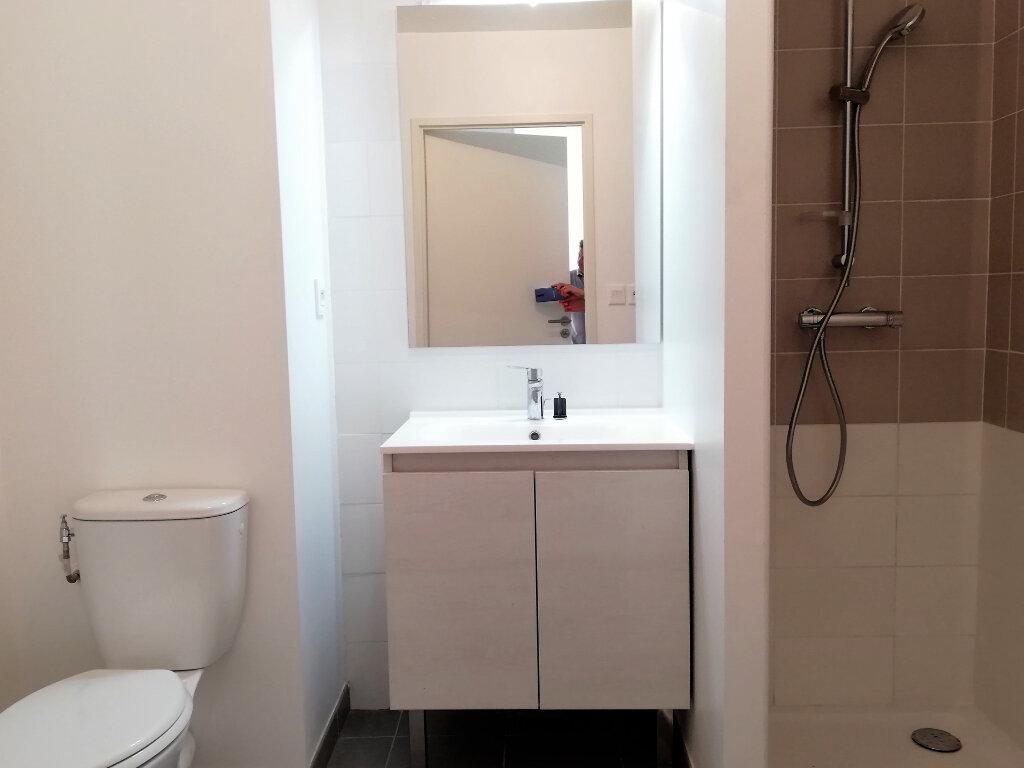 Appartement à louer 2 37.37m2 à Toulon vignette-8