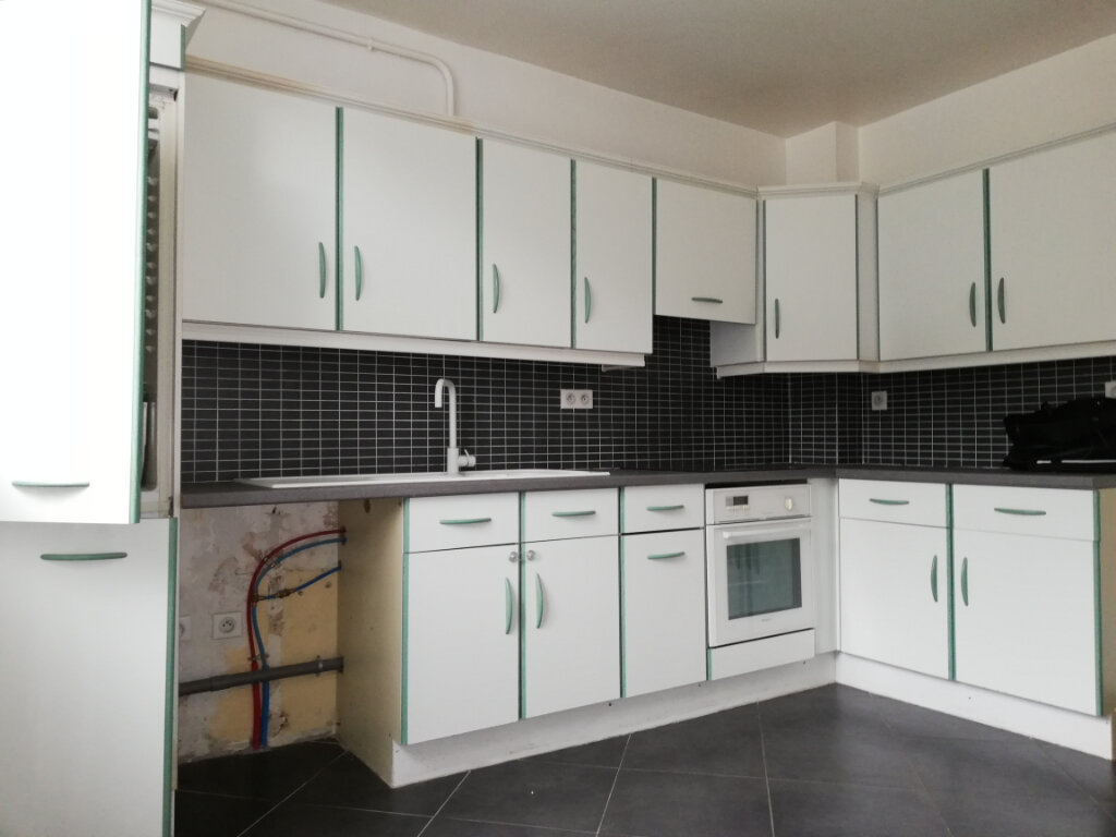 Appartement à louer 2 46.7m2 à Toulon vignette-1