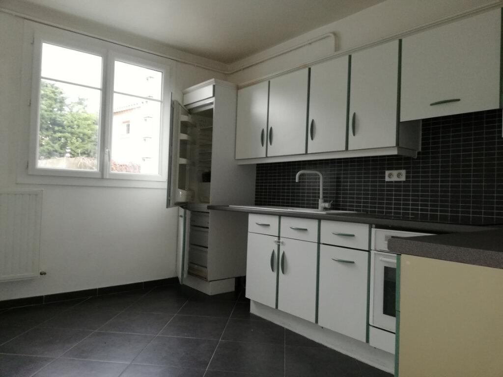 Appartement à louer 2 46.7m2 à Toulon vignette-2